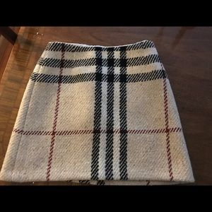 Authentic Burberry Wool A line skirt Sz4